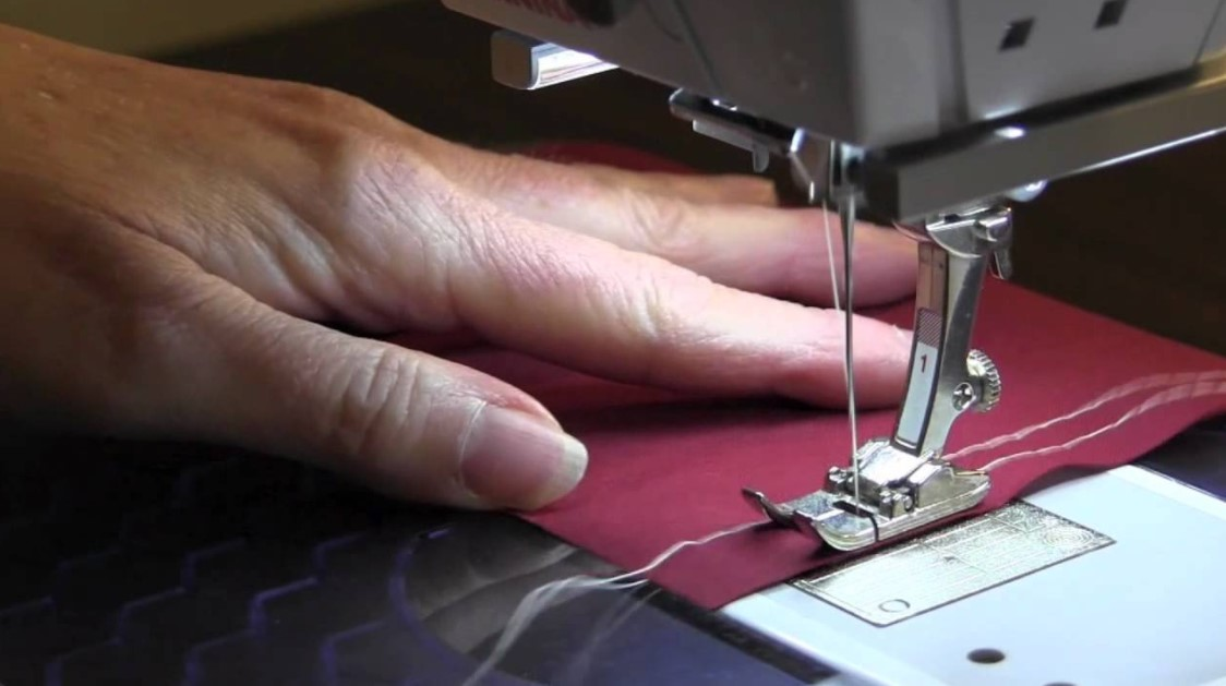 How to Gather Fabric with a Sewing Machine